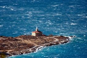 Bura ocistila pogled na obalu iz Makarske 160211